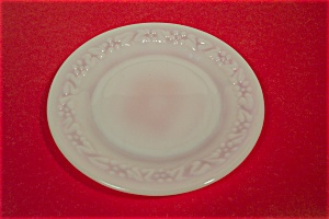 Anchor Hocking Daisy Pattern White Glass Salad Plate