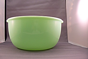 "Sunbeam Mixmaster 9"" Jade-ite Mixing Bowl (Image1)"