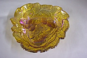 Marigold Grapes & Leaves Pattern Triangular Bowl (Image1)