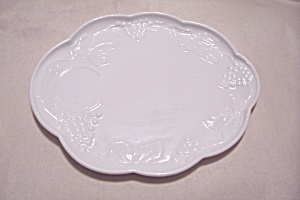 Indiana Milk Glass Grape Pattern Snack Set (Image1)