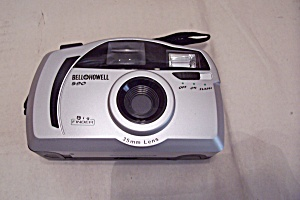Bell & Howell  590 35mm Camera (Image1)