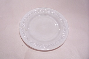 Anchor Hocking Laurel & Daisy (?) Pattern Bread Plate (Image1)