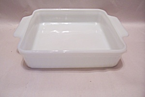 FireKing/Anchor Hocking White/Milk Glass  Cake Pan (Image1)