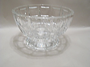 Stunning Brilliant Crystal Glass Footed Bowl (Image1)