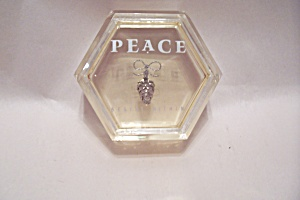 Peace Paperweight (Image1)