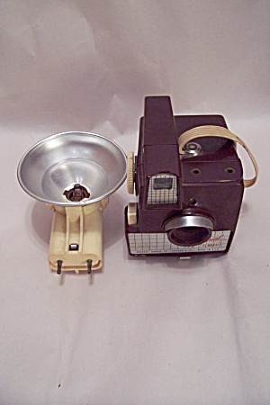 Imperial Debonair 620 Film Camera (Image1)