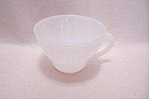 Anchor Hocking Grape Pattern White Cup (Image1)