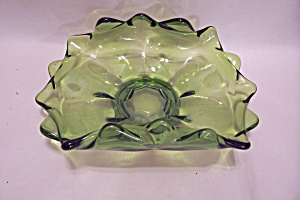 Green Glass Folded Centerpiece Bowl (Image1)