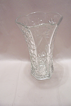 Early American Prescut Crystal Glass Vase (Image1)