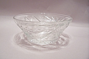 Anchor Hocking Early American Prescut Dessert Bowl (Image1)