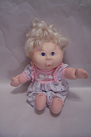 Mattel Soft Cloth Body Doll With Hard Plastic Head (Image1)