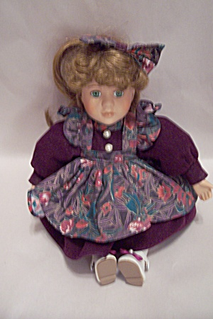 DanDee Collector's Choice Musical Doll (Image1)