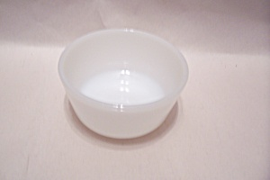FireKing/Anchor Hocking White/Milk Glass 6 Oz. Custard (Image1)