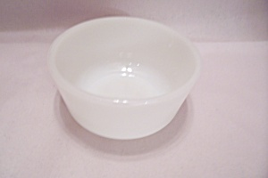 FireKing/Anchor Hocking White/Milk Glass Custard (Image1)