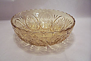 Anchor Hocking Honey Amber Glass Serving Bowl (Image1)