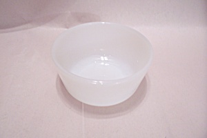FireKing/Anchor Hocking White Glass Custard (Image1)