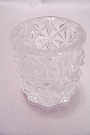 Crystal Glass Four-Point Star Pattern Toothpick Holder (Image1)