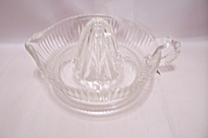 Crystal Glass Reamer/Juicer With Handle & Spout (Image1)