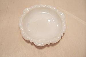 Milk Glass Ash Tray (Image1)