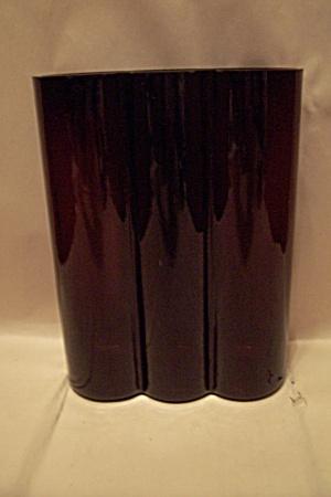 Amethyst/Black Glass 3-Barrel Vase (Image1)