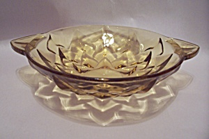 Vaseline Pattern Glass Bowl With Tab Handles (Image1)