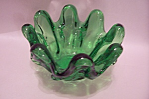 Green Handblown Art Glass Folded Bowl (Image1)