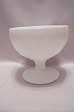 Round Milk Glass Pedestal Bowl (Image1)