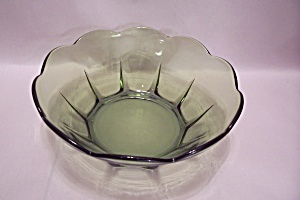 Green Pattern Glass Bowl (Image1)