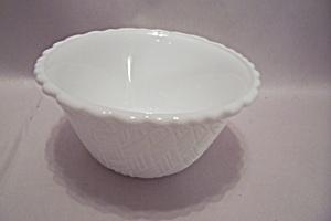 Basket Weave Pattern Milk Glass Bowl (Image1)
