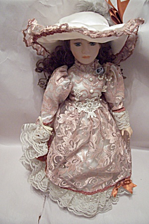 China & Cloth Brown Haired Doll In Pink & White Outfit (Image1)