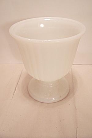 INARCO Milk Glass Pedestal Centerpiece Bowl (Image1)