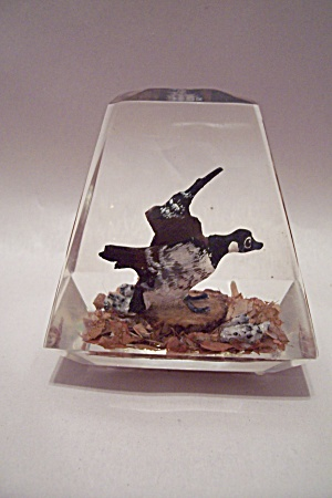 Canadian Goose Paperweight (Image1)