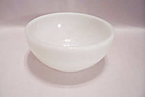 Fire King/Anchor Hocking  Milk White Glass Bowl (Image1)