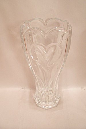 Brilliant Crystal Glass Heart Motif Vase
