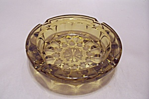 Honey Amber Pattern Glass Ash Tray (Image1)