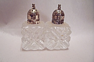 Crystal Pattern Glass Salt & Pepper Shakers Set