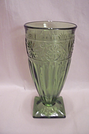 Green Daisy Pattern Glass Footed Tumbler
