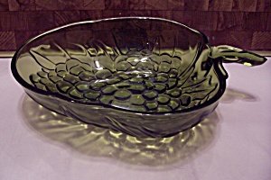 Green Pattern Glass Grape Shaped Centerpiece/fruit Bowl