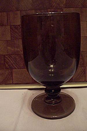 Dark Amber Glass Goblet (Image1)