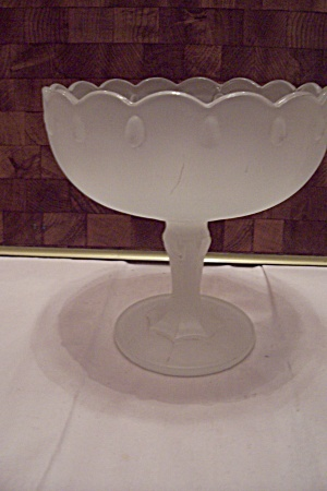 Satin Glass Pedestal Centerpiece Fruit Bowl (Image1)