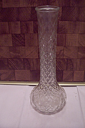 Brody Diamond Pattern Crystal Glass Bud Vase (Image1)