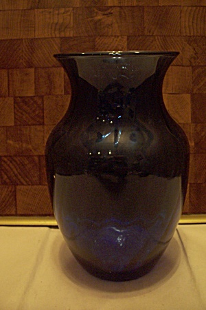 Indiana Hand Blown Cobalt Blue Art Glass Vase (Image1)