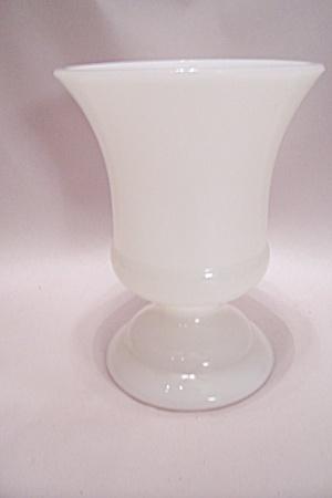 MAPCO Milk Glass Pedestal Vase (Image1)