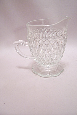 Diamond Pattern Crystal Glass Footed Creamer