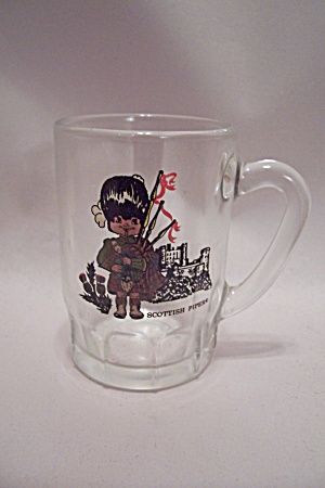 German Scottish Piper Decorated Small Glass Mug (Image1)