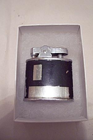 Lord Chesterfield Black Enamel Pocket Lighter (Image1)