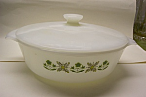 Fire King Meadow Green 1-1/2 Quart Casserole w/Lid (Image1)