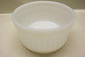FIRE-KING Milk Glass Dessert Bowl (Image1)