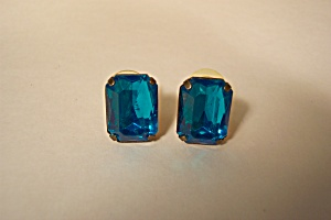 Vintage Blue Baguette Stone earrings (Image1)