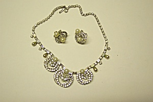 Marvella Faux Pearl And Rhinestone Necklace Set (Image1)